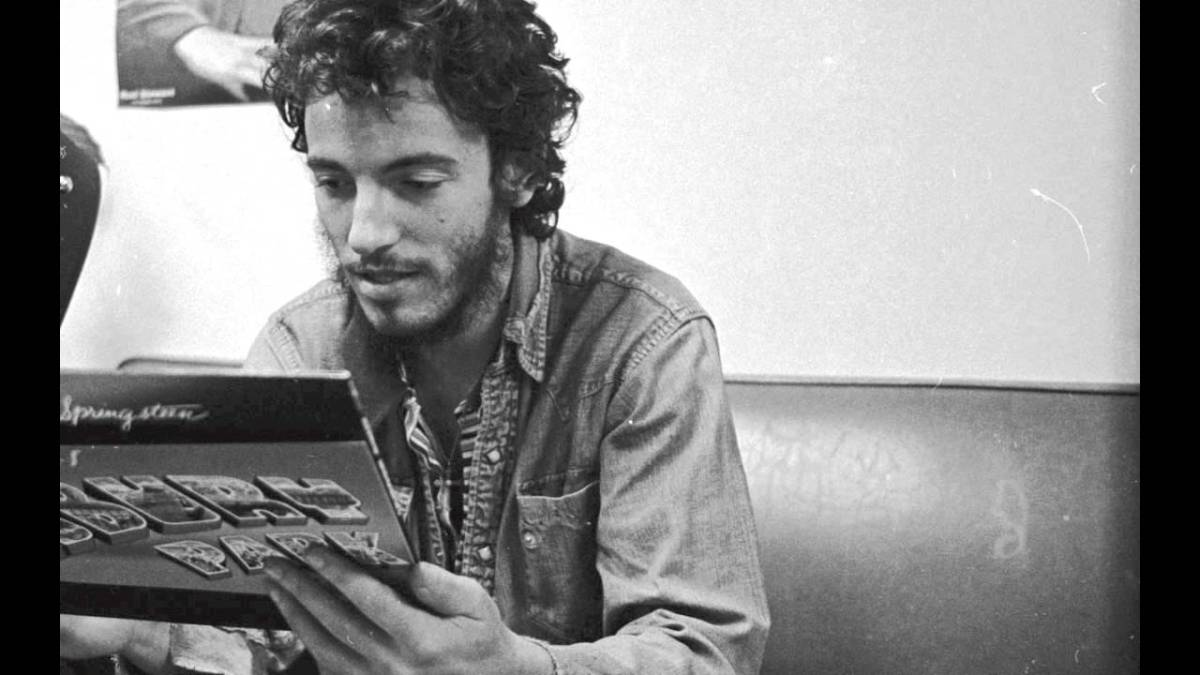Bruce Springsteen – Does This Bus Stop At 82ndStreet?