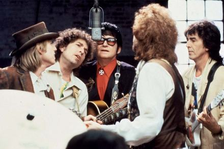 Traveling Wilburys – Dirty World