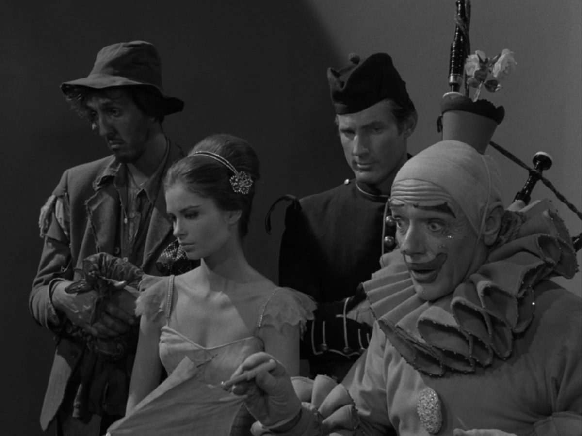 Twilight Zone – Five Characters In Search Of AnExit